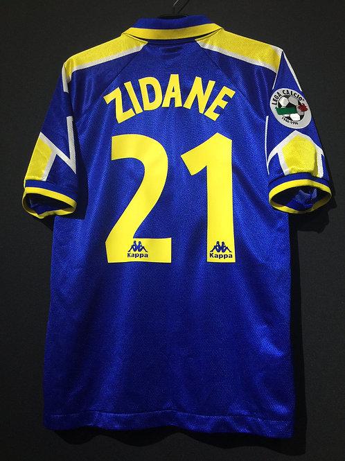 【1996/97】 / Juventus / Away / No.21 ZIDANE / Phase1