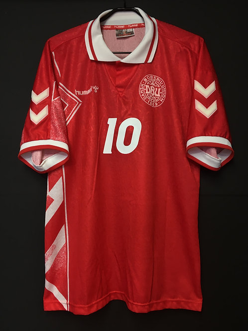 【1995】 / Denmark / Home / No.10 M.LAUDRUP