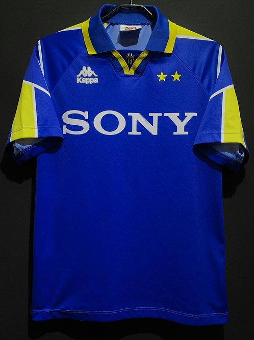 【1996/97】 / Juventus / Away / Phase1