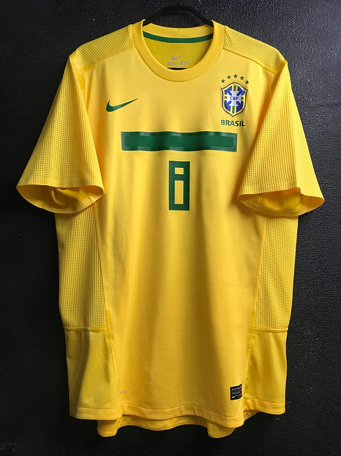【2011】 / Brazil / Home / No.8 / Player Issue