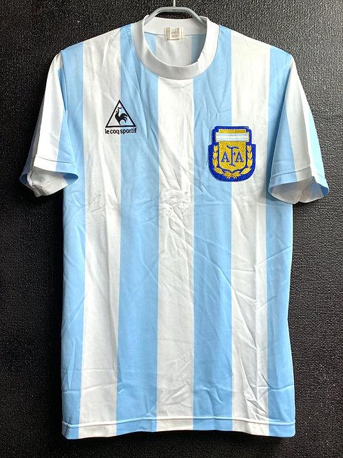 【1986】 / Argentina / Home