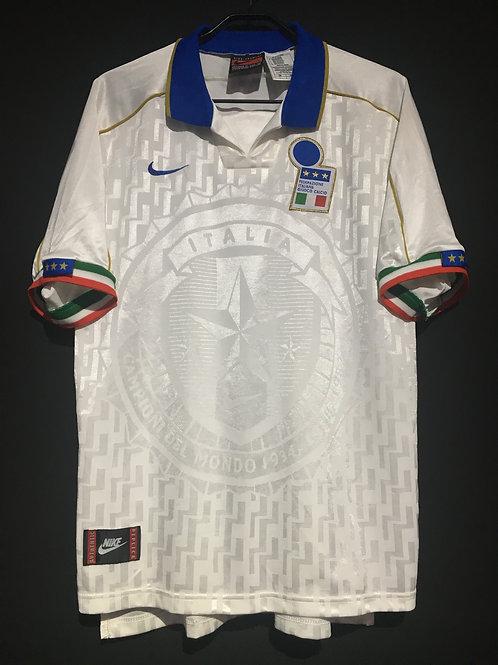 【1995】 / Italy / Away