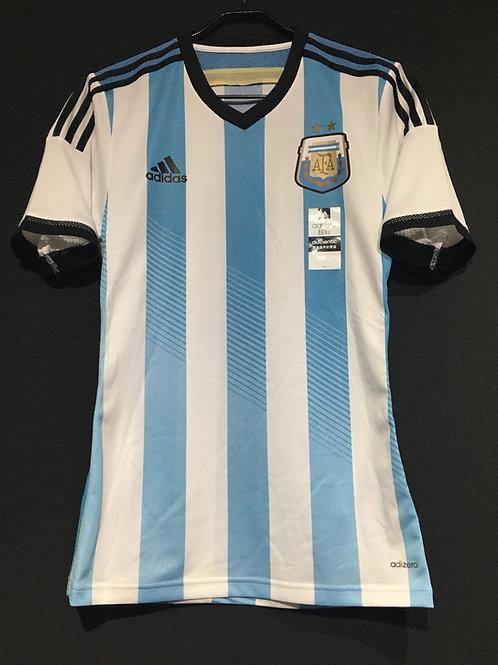 【2014】 / Argentina / Home / Authentic