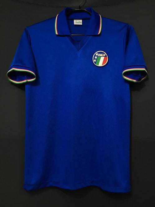 【1990】 / Italy / Home / No.8