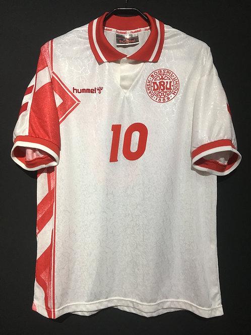【1995】 / Denmark / Away / No.10 M.LAUDRUP