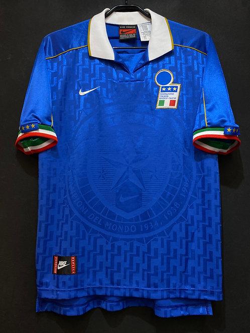 【1995】 / Italy / Home / No.10
