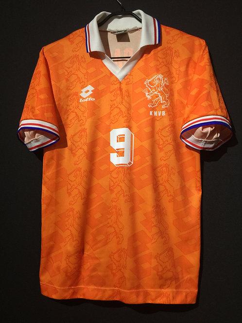【1993】 / Netherlands / Home / No.9 VAN BASTEN