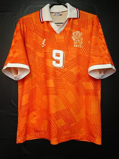 【1992】 / Netherlands / Home / No.9 VAN BASTEN