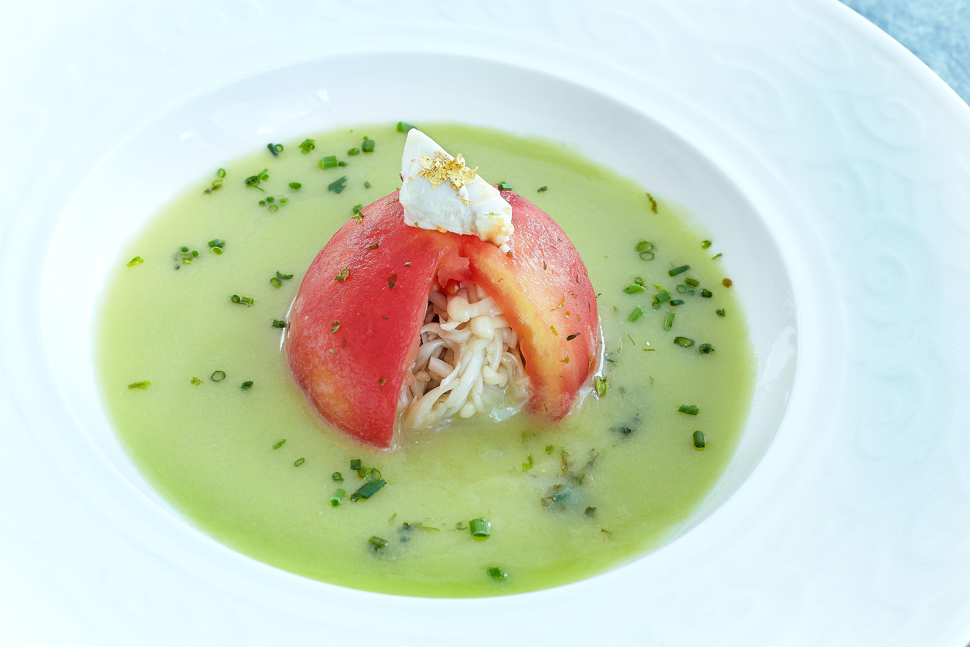 綠樹銀花 (有機鮮茄釀蟹肉金菇)