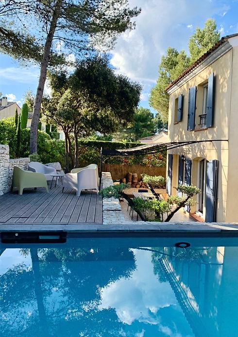 Piscine - terrasse- maison - Villa Roucas - Pont-Royal_edited_edited.jpg