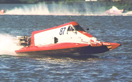2004 Simon Francis - class F.500.jpg