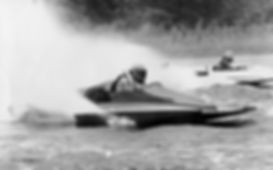1983 Gordon Mussett - class R1.jpg