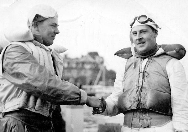 Geoff Holt & George Treglown 1936.jpg