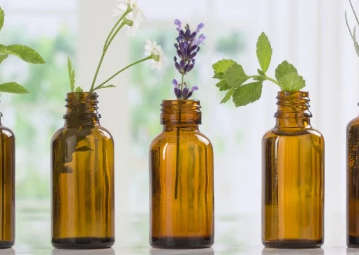 Essential Oils: 11 Main Benefits and 101 Uses