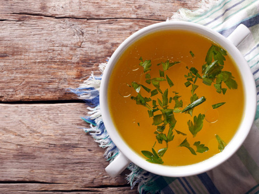 Bone Broth Benefits (Digestion, Arthritis, wrinkles, and Cellulite?!)