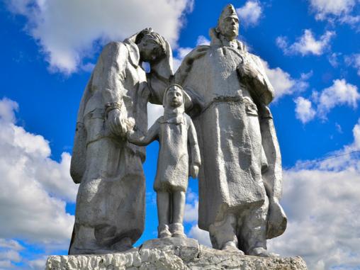 В Погарском районе установят новые памятники