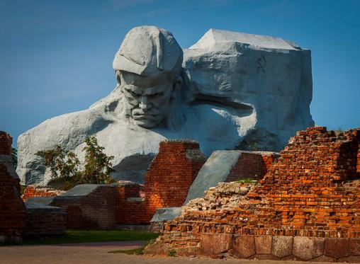 Россия и Беларусь защищают правду о Победе