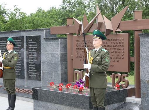 В Полоцке официально открыли мемориал «Урочище Пески»