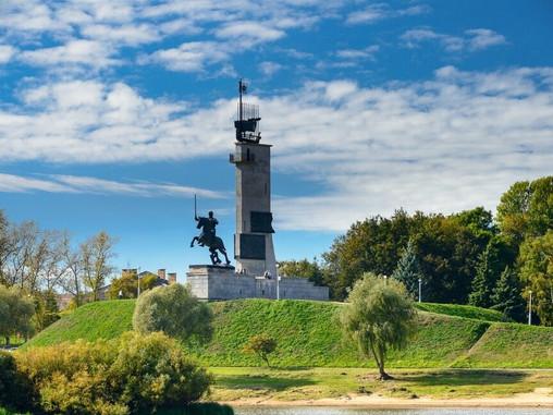Объявлен аукцион на разработку проекта ремонта монумента Победы в Великом Новгороде