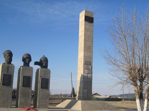 Памятники Великой Отечественной войны отремонтировали в Акше