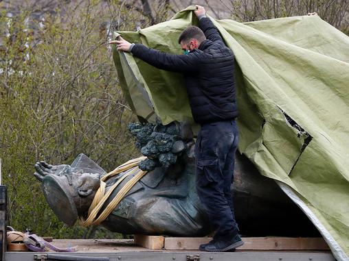 Глава МИД Чехии заявил о готовности к переговорам о судьбе статуи Конева