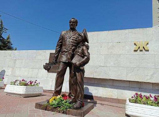 В Курске открыли памятник ветерану Великой Отечественной войны