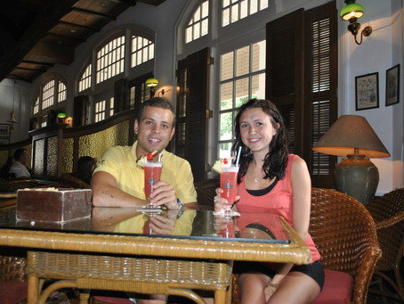 Two Singapore Slings please Mr Raffles......... I <3 SG.........End of our first chapter....