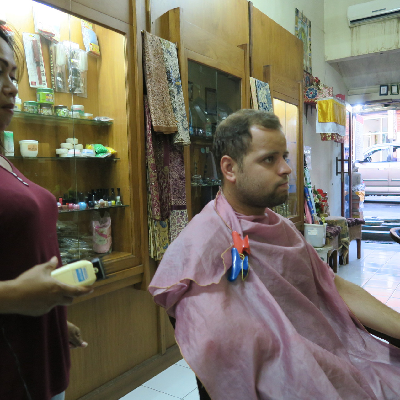 Hair cut in Ubud