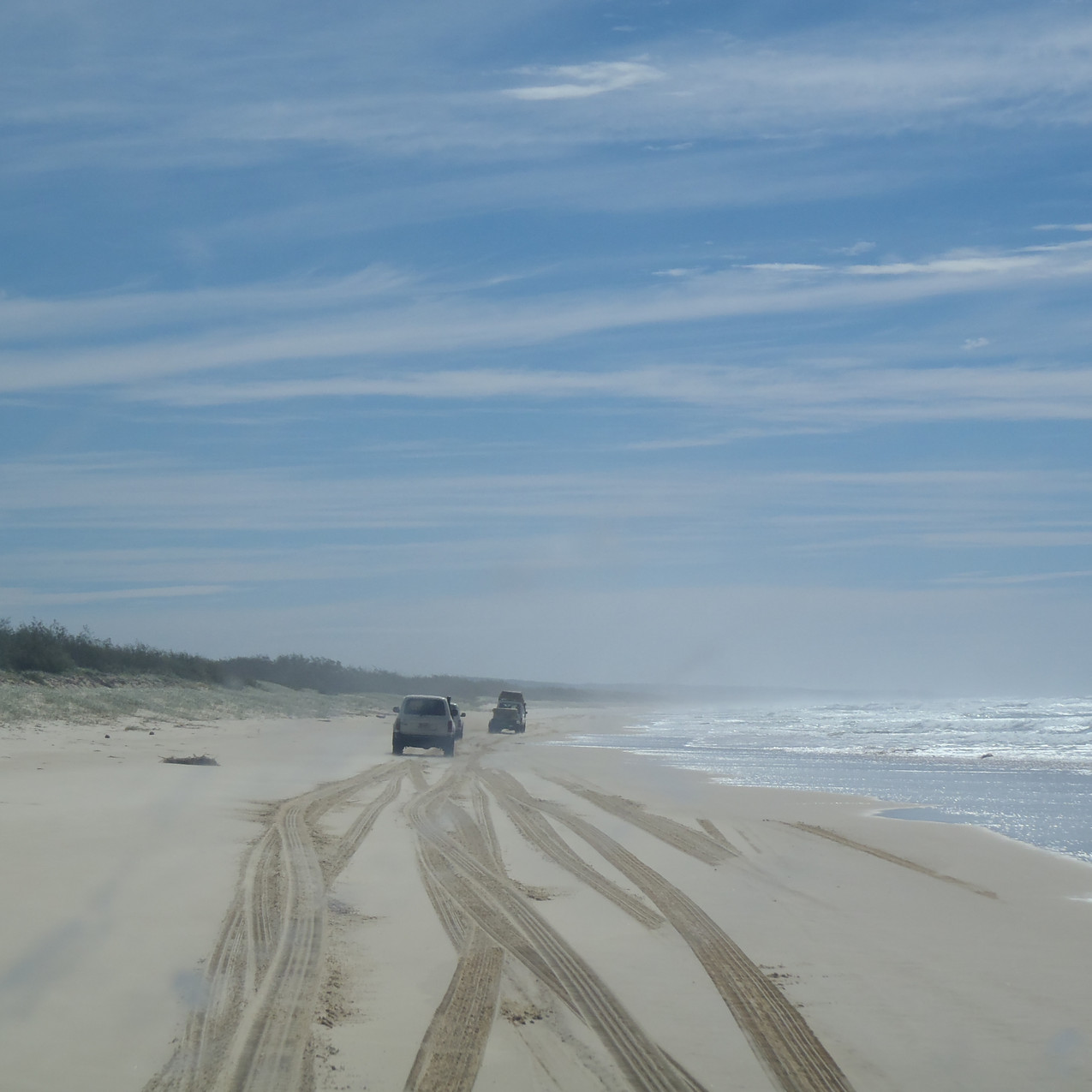 Driving 4x4 in Fraser Island