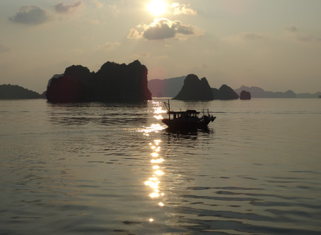 Halong Bay | Luxury Cruising