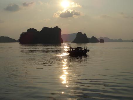 Halong Bay | Luxury Cruising