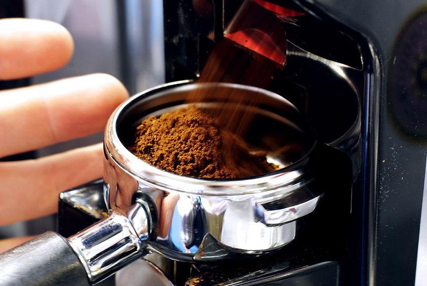 person-grivvnds-grains-coffee-beans-duri