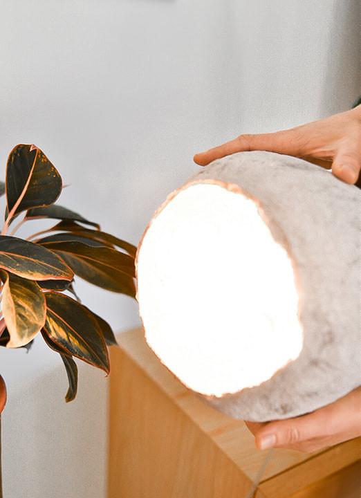 סקירת סדנה: מנורה מעיסת נייר | טה-דה! בלוג