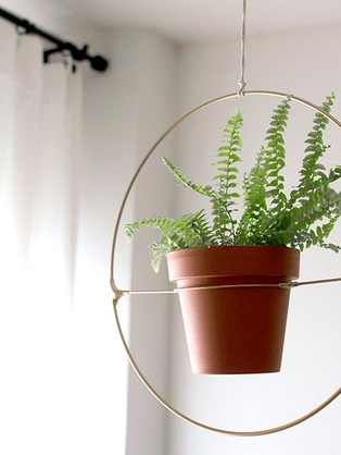 מתלה גיאומרטי לצמחים בהשראת אנתרופולוג'י