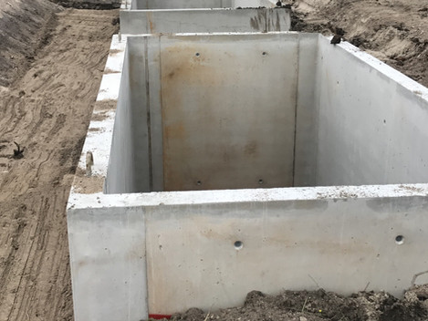 Plaatsing van 2 kelders zodat we het casco maximaal laag kunnen leggen.
