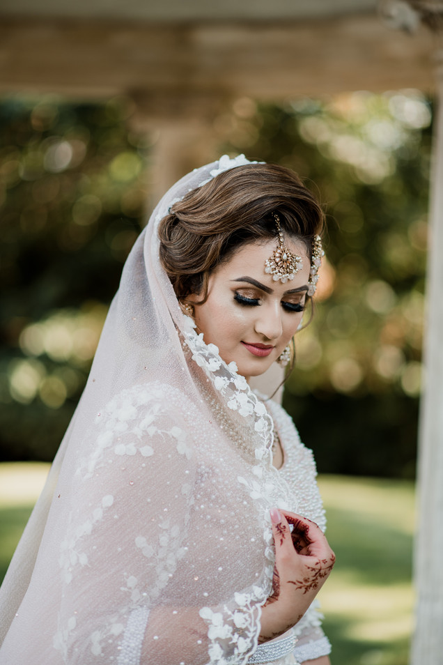 laura_martha_wedding_asian_ardington.25.