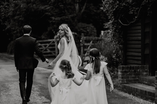 laura_martha_wedding_clock_barn72.jpg