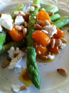 Asparagus with Tomatoes, Pinenuts and Goat Cheese