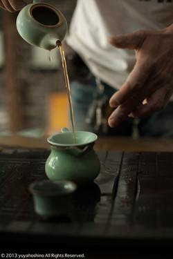 自作の茶器で