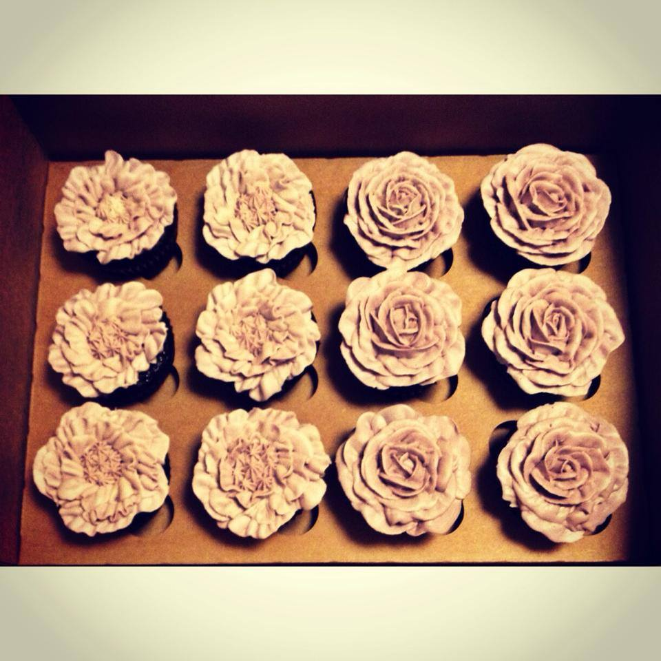 rose cupcakes wedding cincinnati