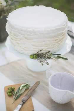 herbs and ruffles wedding cake cincinnati