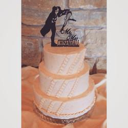 strawberry ruffles wedding cake cincinnati