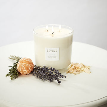 Lounge and Cloth Escape Candle