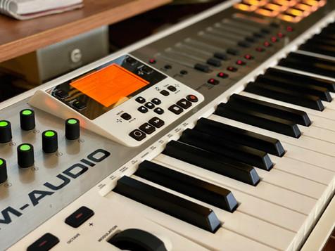 M-AUDIO AXIOM AIR49.jpeg