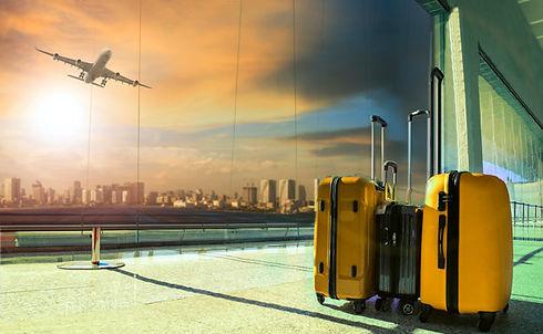 bagagem-de-viagem-no-terminal-do-aeropor