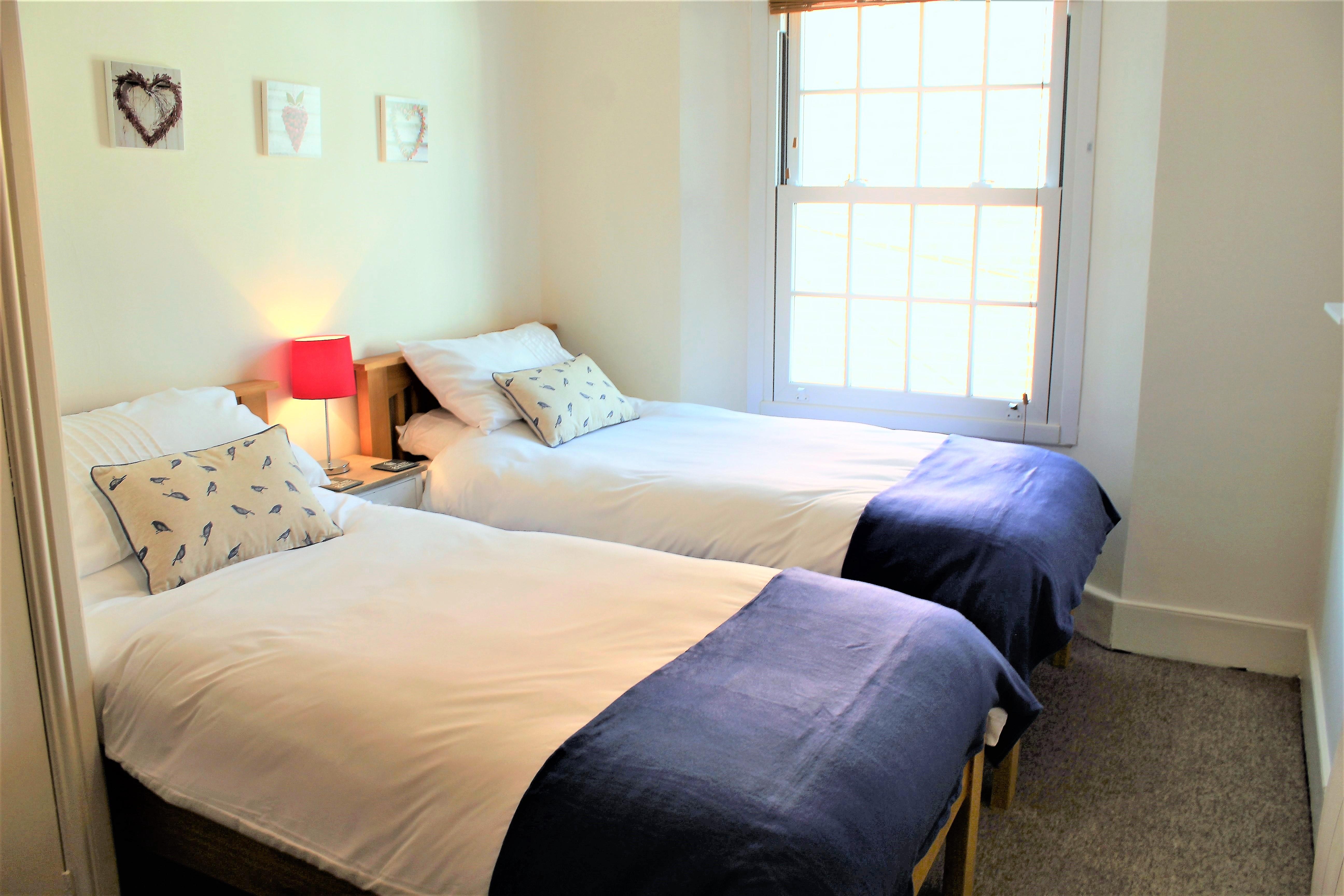 9 Twin room
