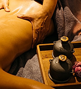 Hot-Aroma-Oil-Massage.jpg