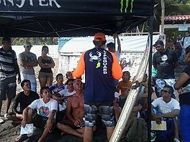 Práctica de Surf-Salva en la Playa El Tunco, desarrollada por el Dr. David Szpilman. guardavidas de el salvador