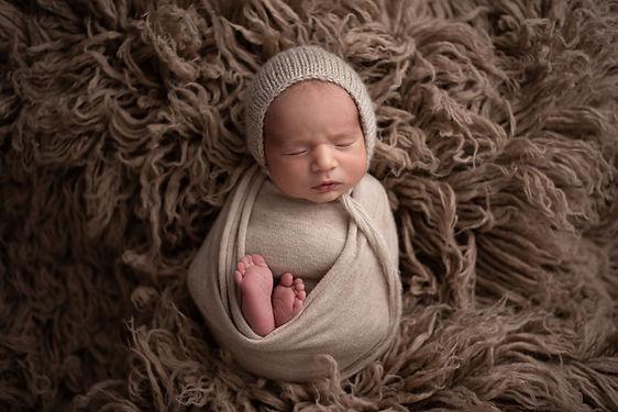 Hugo Newborn 10.jpg