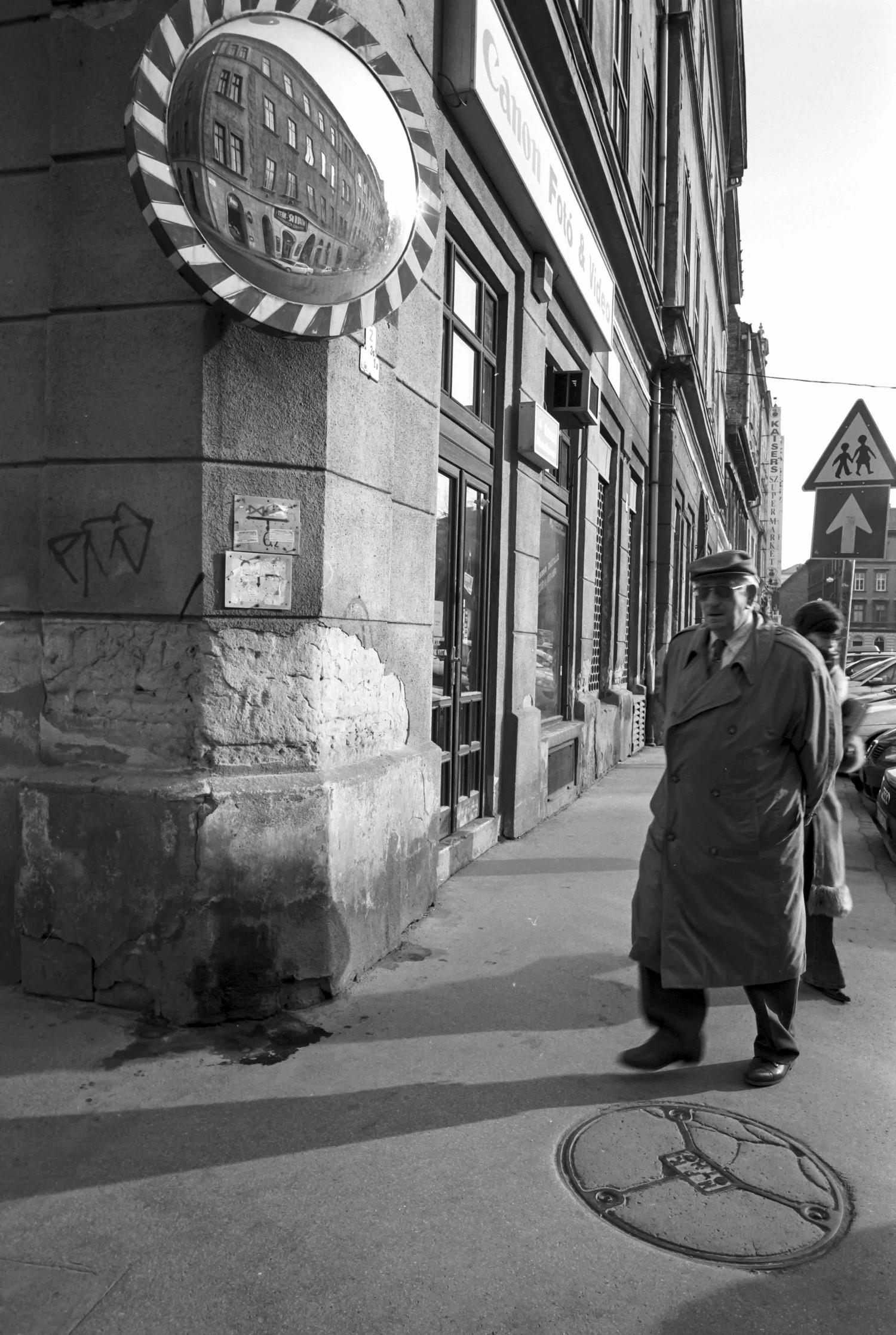 Budapest 2007 • Au coin de la rue